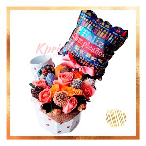 balde rosas y fresas con chocolate